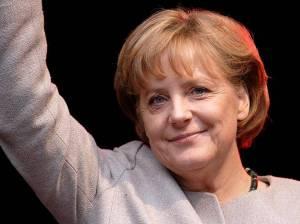 Оппозиция российской власти собирается потребовать у канцлера Германии ожесточения санкций против РФ