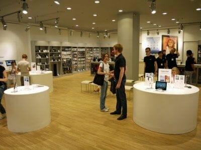 В Москве будет открыт первый розничный магазин Apple Store