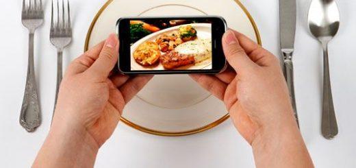 При помощи Facebook можно будет заказать еду на дом