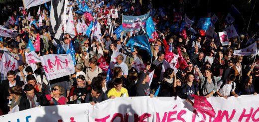 В Париже прошел крупный митинг против однополых браков