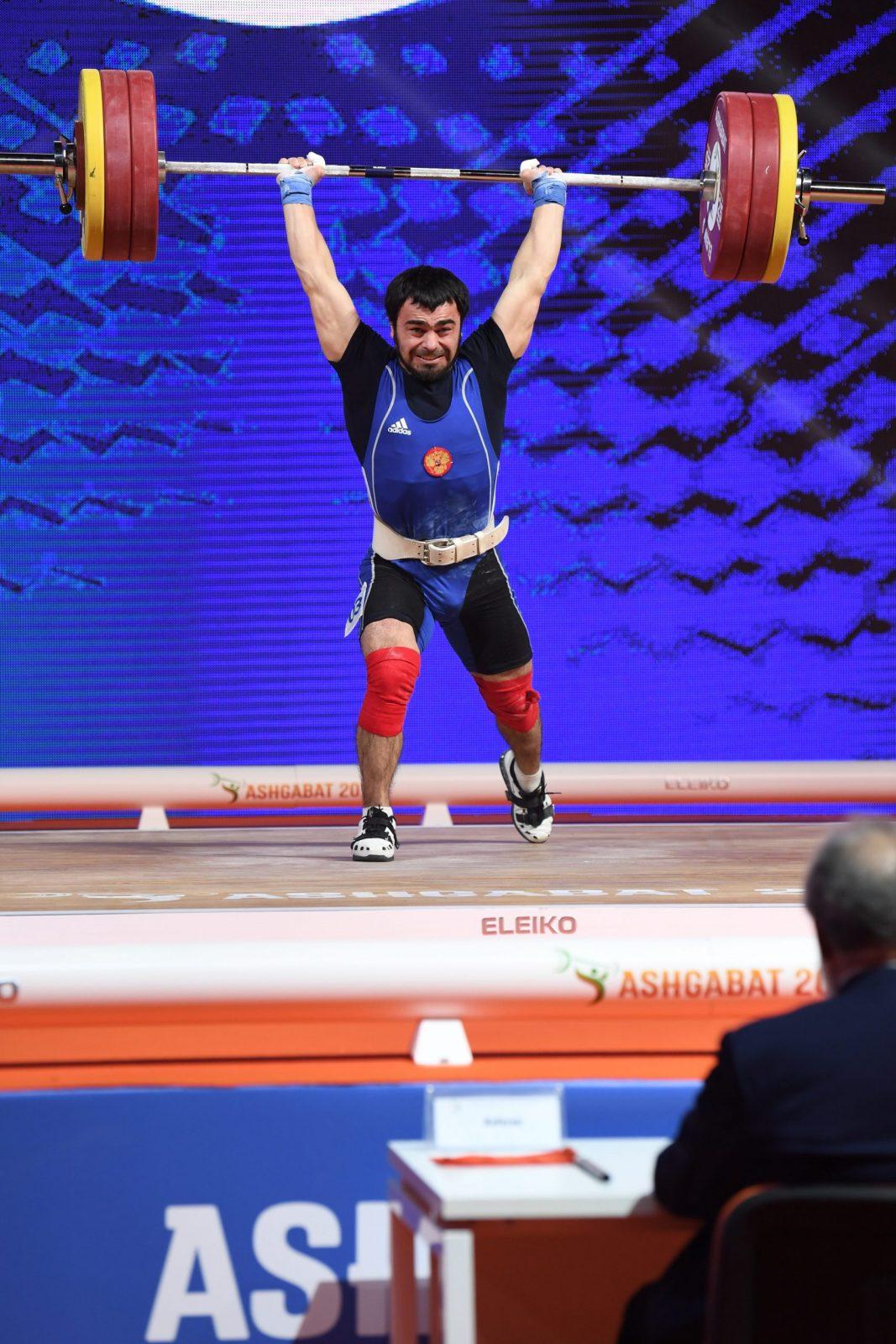 Феликс Халибеков стал пятнадцатым на ЧМ по тяжелой атлетике в Ашхабаде.