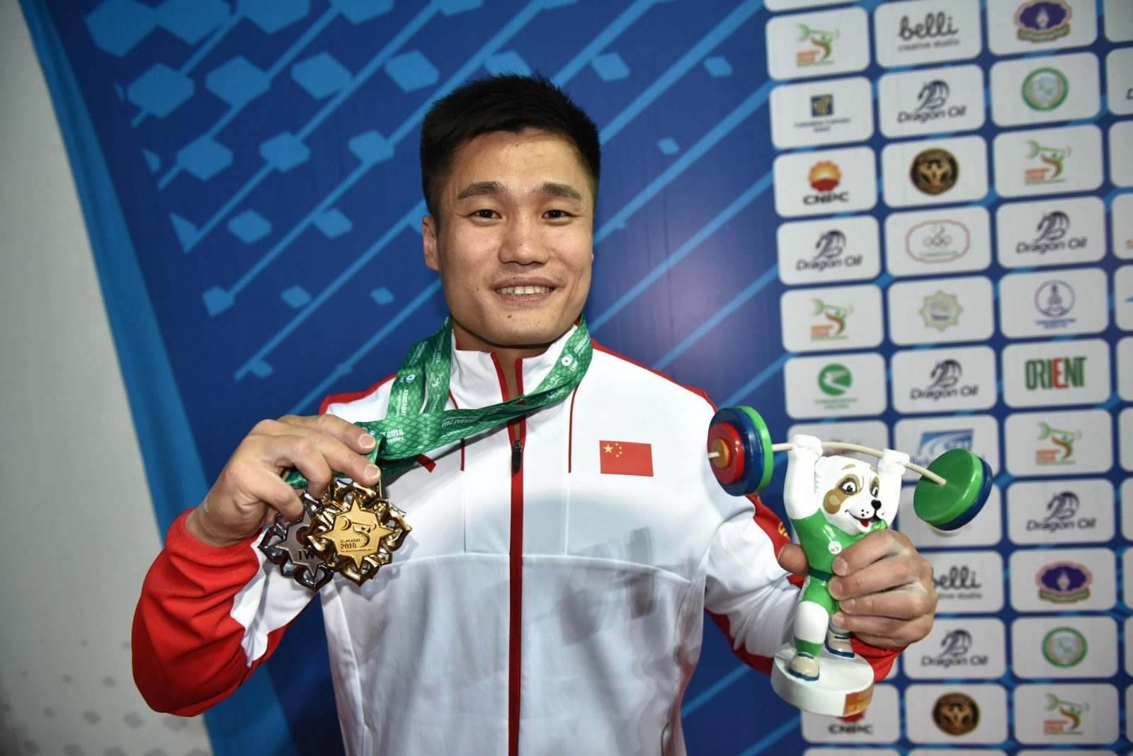 На чемпионате мира по тяжелой атлетике в Ашхабаде установлено уже 34 мировых рекорда.