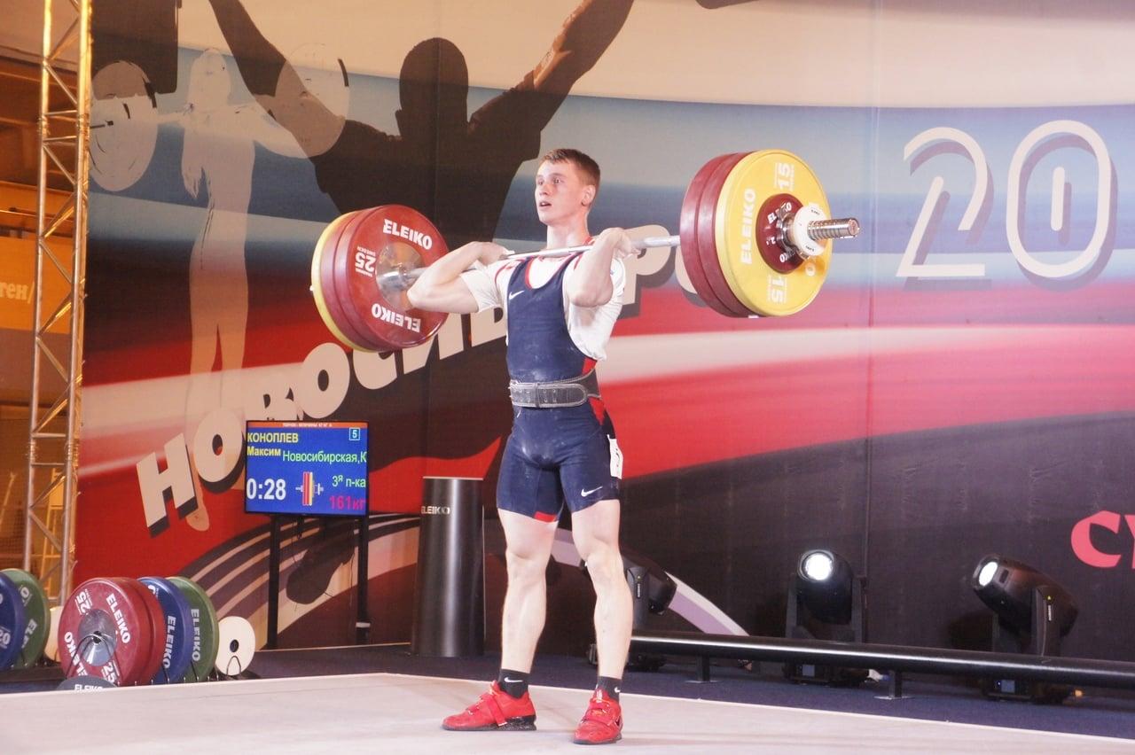 Новосибирский штангист Коноплев выиграл три золота на домашнем чемпионате России 1
