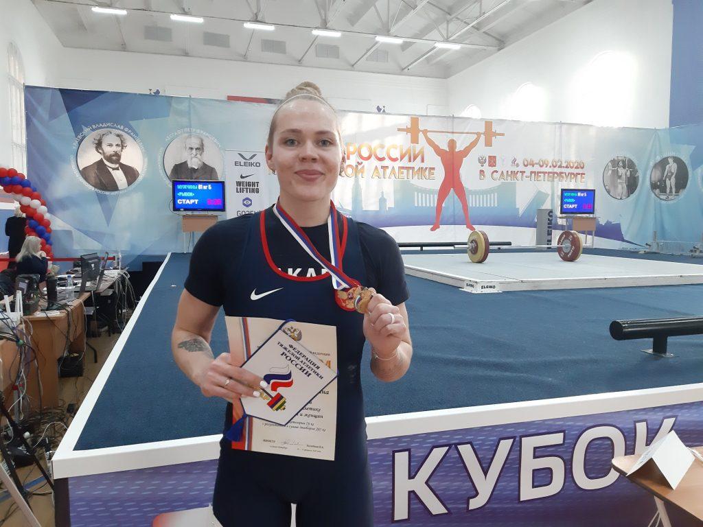 В четвертый день соревнований на кубок России по тяжелой атлетике побеждали явные фавориты. 1
