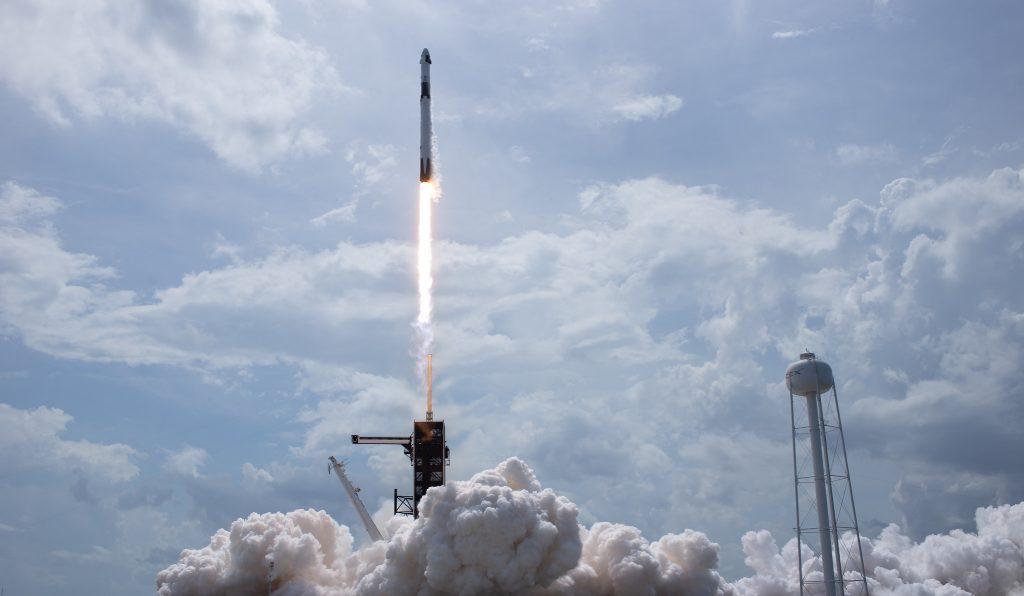 космос запуск