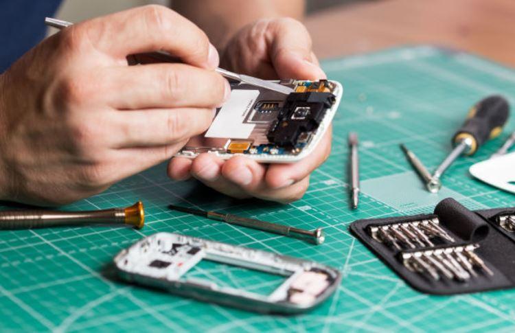 В Евросоюзе начал действовать закон о ремонте электроники. На смартфоны и ноутбуки он пока не распространяется